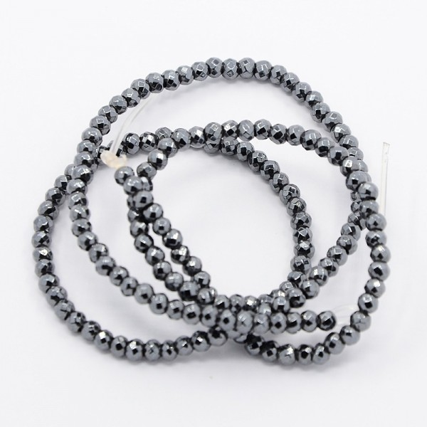 Synthetischer Hämatit facettierte Perlen (ca. 125 Stück / ca. 40 cm)