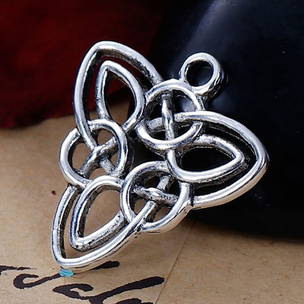 Anhänger keltischer Knoten