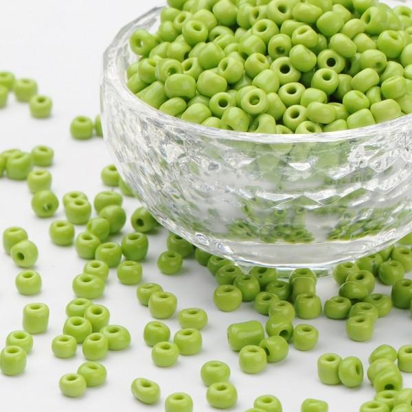 50 Gramm Runde Rocailles opak hellgrün