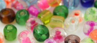 50 Gramm Glas Rocailles bunt gemischt
