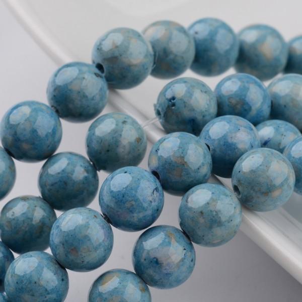 Fossiler Perlenstrang hellblau gefärbt (ca. 68 Perlen / ca. 39 cm)