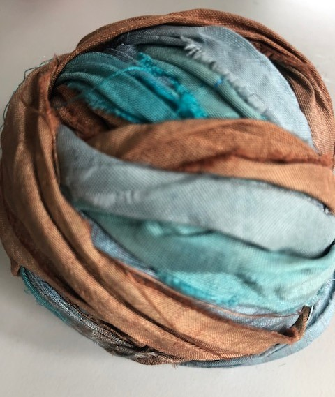 80 cm Seidenband aus Restbeständen blau braun
