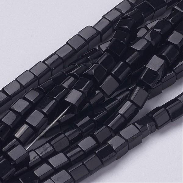Glasperlen Strang schwarz Würfel (ca. 75 Perlen / ca. 32 cm lang)