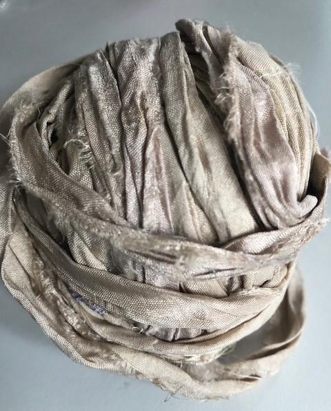80 cm Seidenband aus Restbeständen hell beige