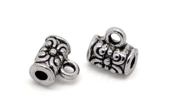 20 Metall Perlen mit Öse silberfarben