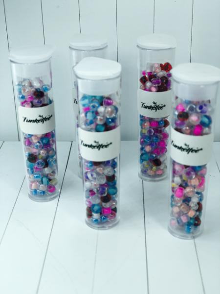 11 Gramm Rocailles Glasperlen rund 6/0 Mix Innenfarbe 3 x 2,5 mm im Perlenbehälter
